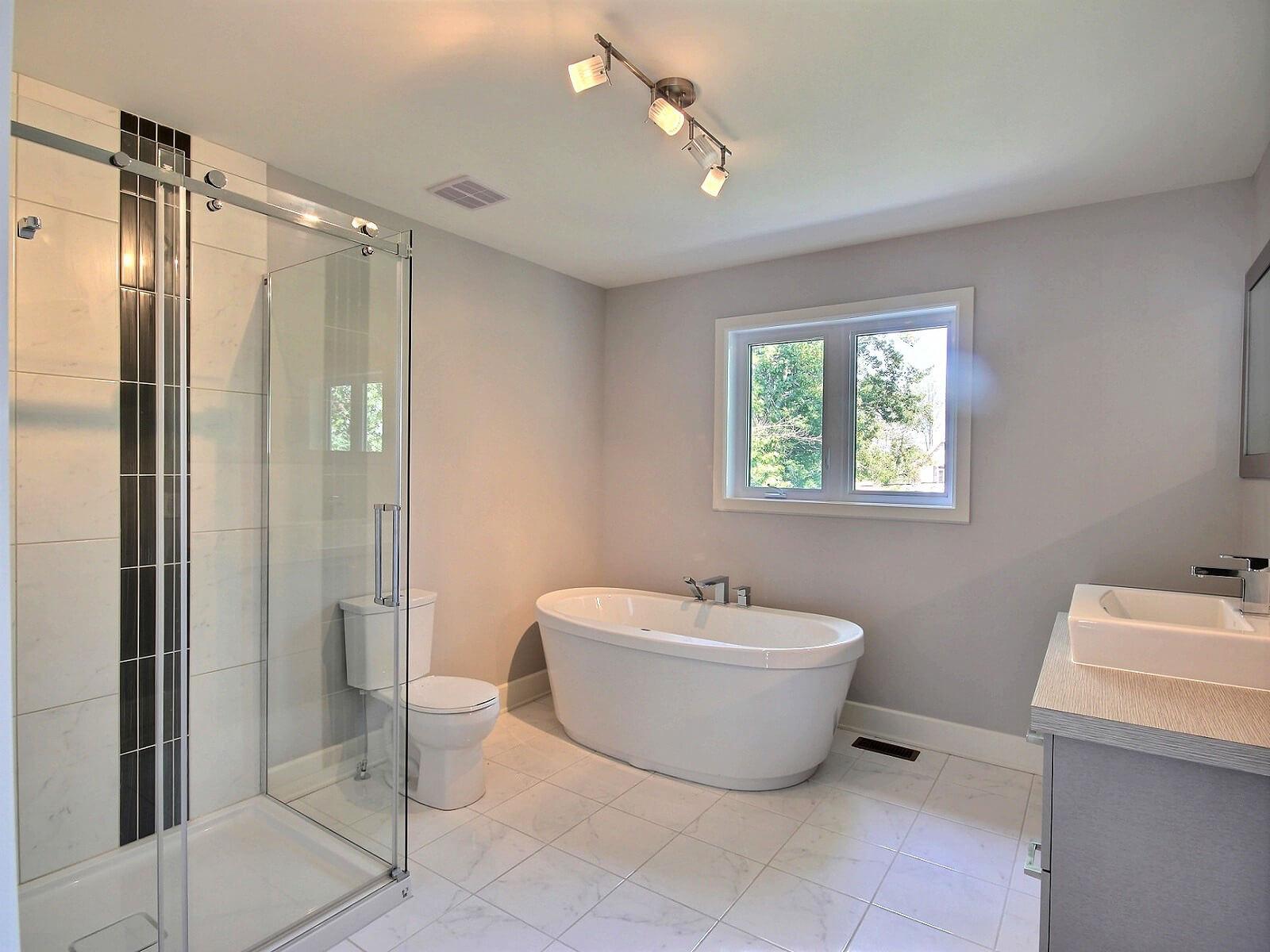 salle de bain boisé côte saint-louis construction neuve projet immobilier rive nord